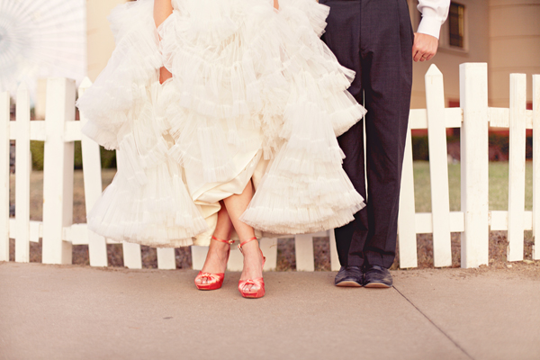 Southern-weddings-Southern-wedding-ideas-ruffled-wedding-gown